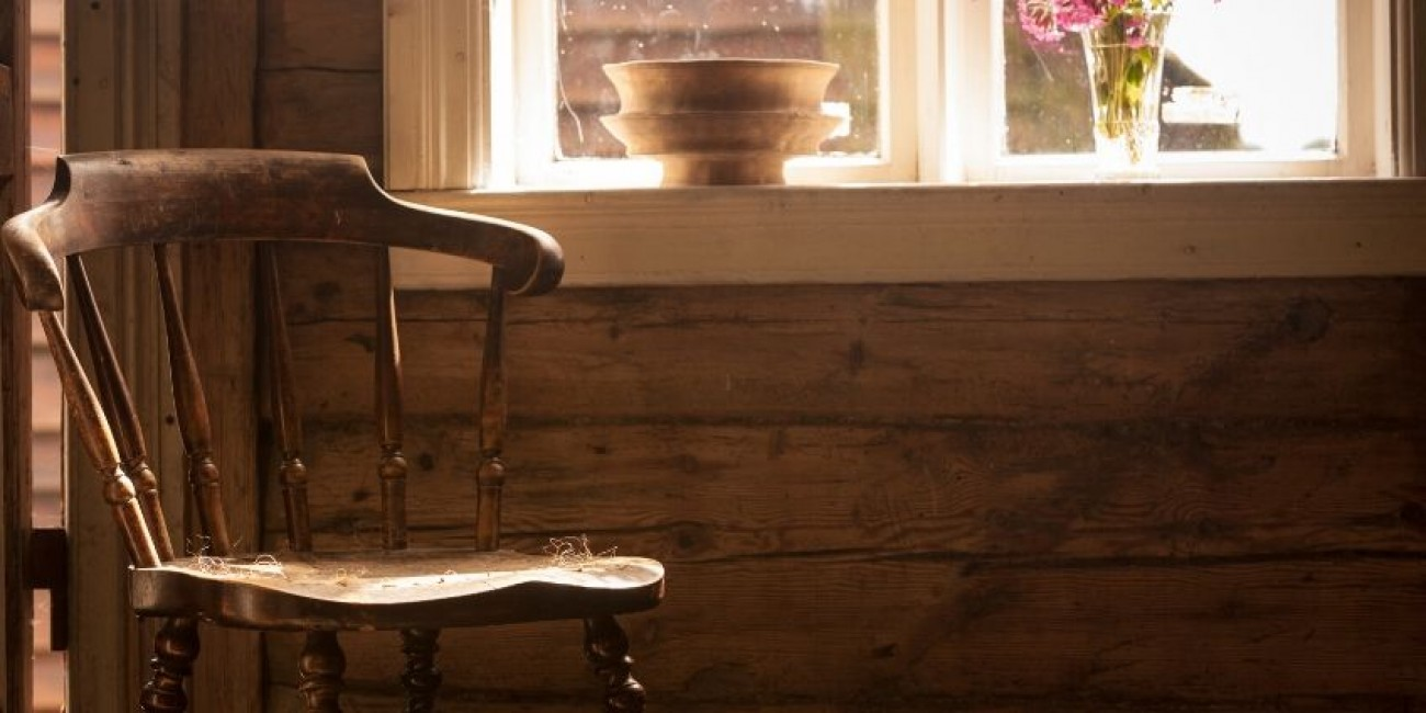 Top Ways to Upcycle an Old Wooden Chair