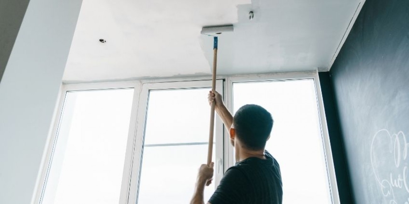 The Dos and Don'ts of Painting Your Ceiling