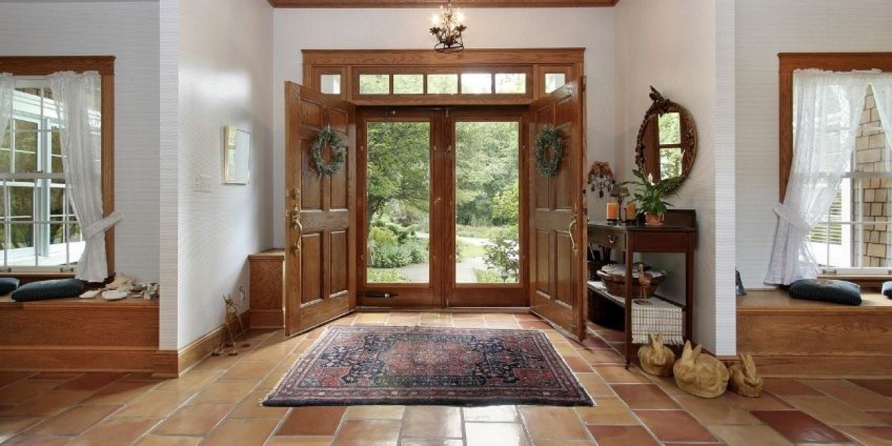 Dazzling Design Ideas for a Welcoming Foyer