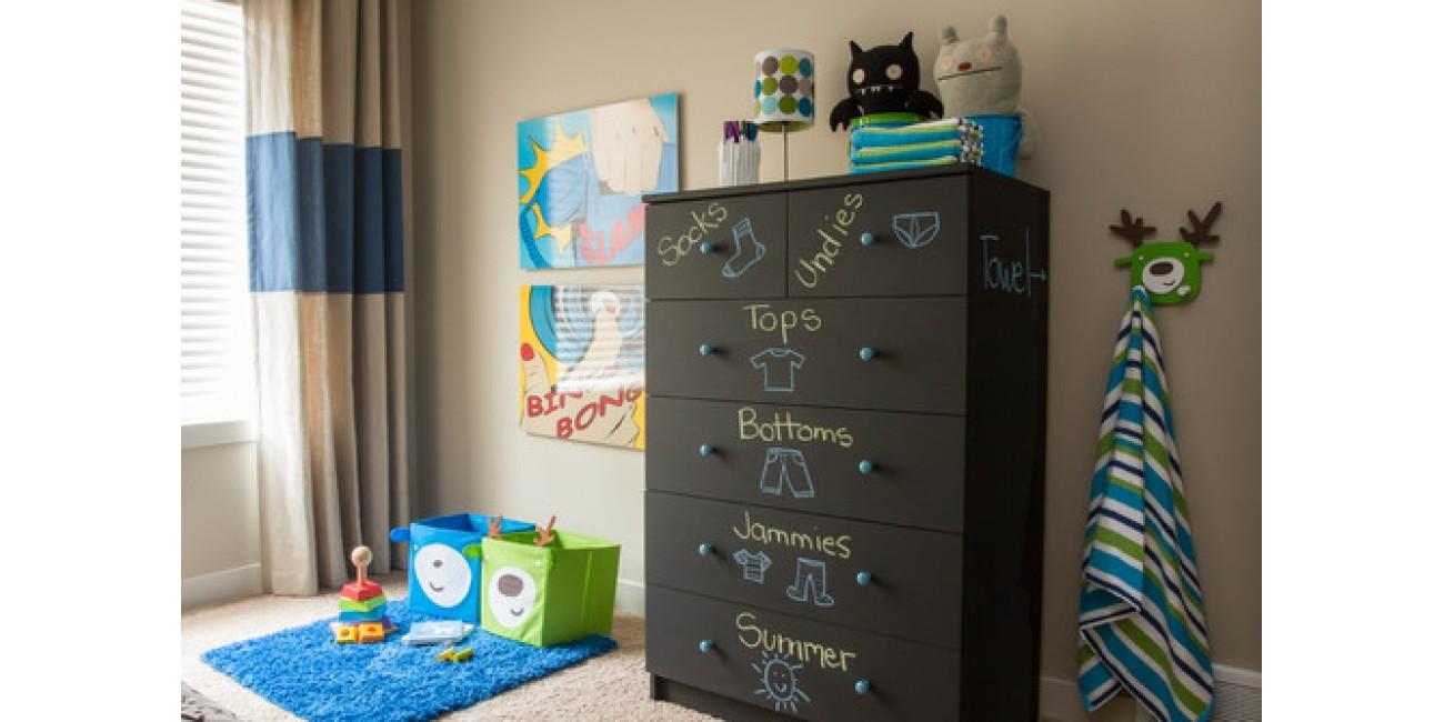A Dozen DIY Chalkboard Furniture Ideas
