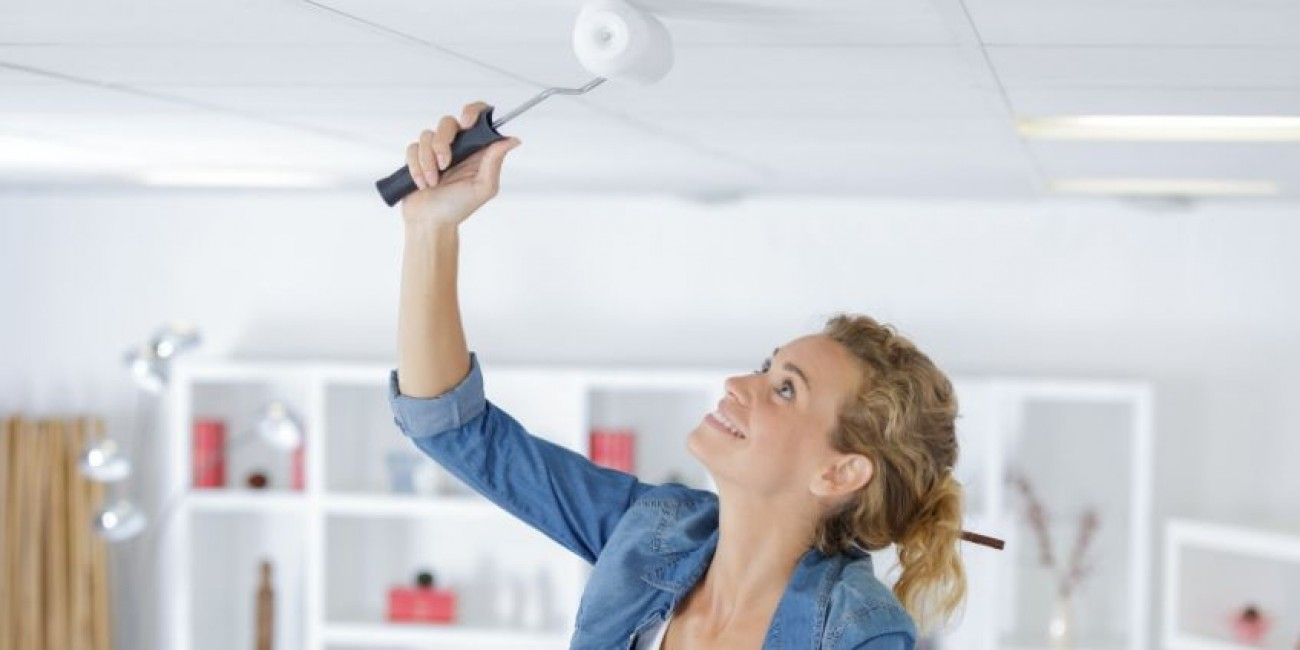 What Color Should a Ceiling Be Painted?