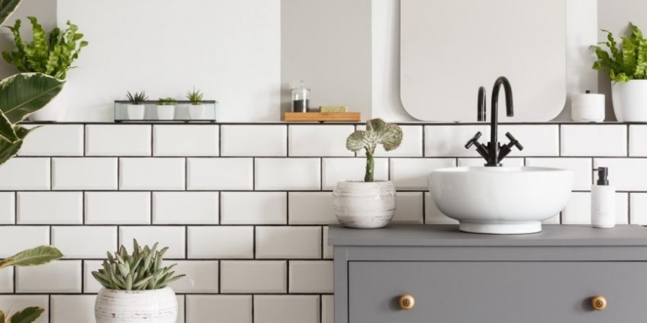 Easy Ways To Spruce Up Your Bathroom