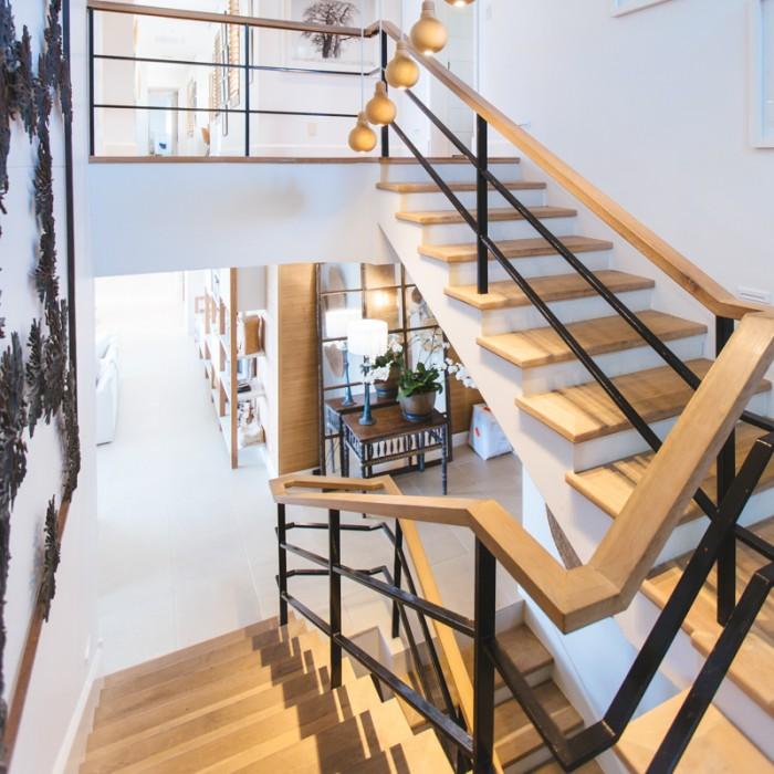 Interior Semi-Gloss Clear Varnish